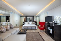 1 BEDROOM LEISURE SUITES - DOUBLE-SIX