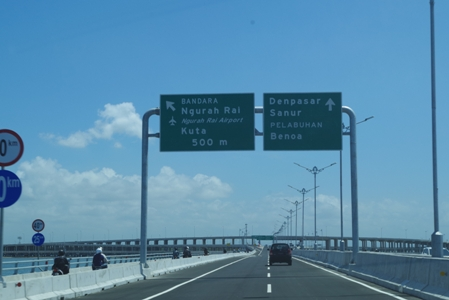 Toll Road 09